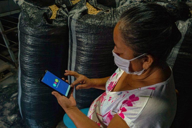 Caficultores ingresan a la era digital con billetera móvil